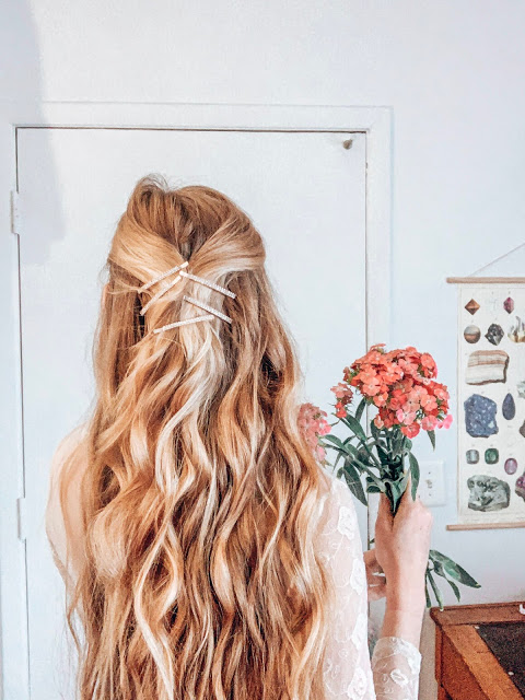 Beachy waves with barette trend, long blonde hair